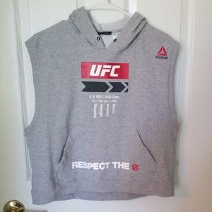 Sleeveless workout hoodie